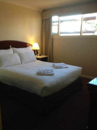 Hadley's Orient Hotel: Bedroom 1 (2 room suite)