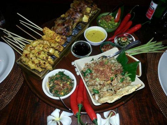 Bumbu Bali : main meal platter - delicious