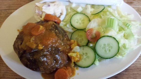 Shelly's Tea Rooms: Jacket Potato (vegetable curry)