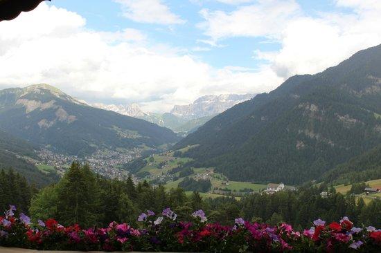 Hotel Scherlin : Vista sulla Val Gardena