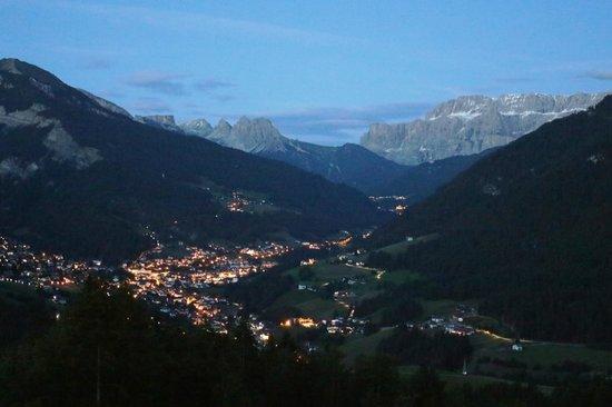 Hotel Scherlin : Ortisei alla sera
