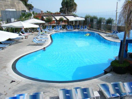 Ipanema Hotel : The beach pool