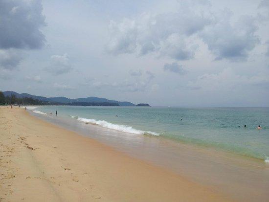 Centara Grand Beach Resort Phuket : spiaggia