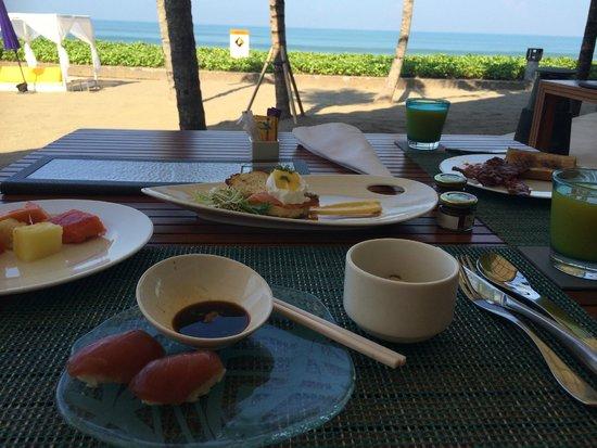 W Retreat & Spa Bali - Seminyak: Breakfast area