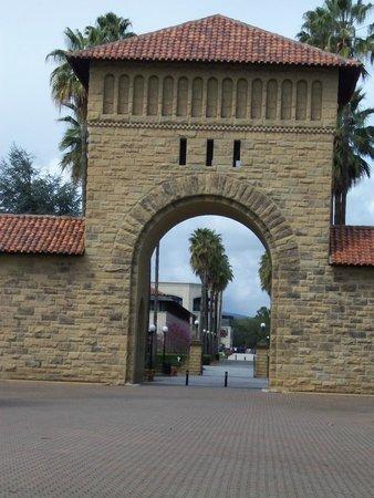 Stanford University: Entrance