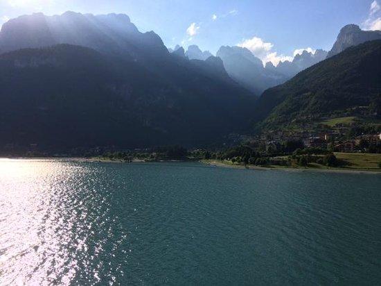 Lago Park Hotel: Jeden Tag eiun Farben- und Lichtspiel