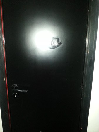 Clorinda Paestum Hotel: porta della camera