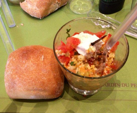Petit Palais, City of Paris Fine Art Museum: Insalata di quinoa piccolo aperitivo
