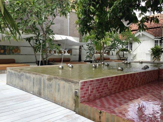 Casa Colombo: Piscina rosa