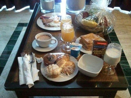 TRS Yucatan Hotel: desayuno en la habitacion