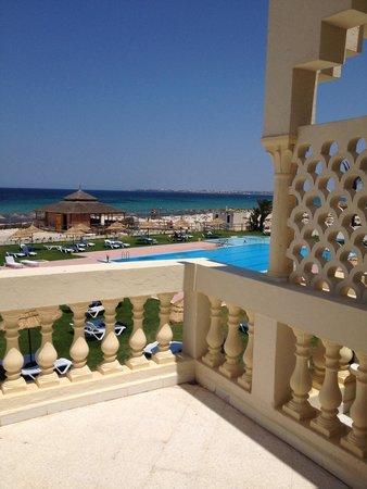 HOTEL NEPTUNIA BEACH : Вид на море