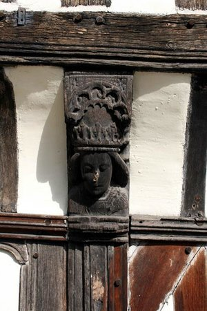 The Old Queen's Head: Wooden Carving