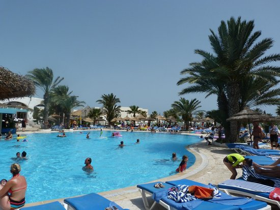 Fiesta Beach Club Djerba : La piscine