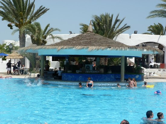 Fiesta Beach Club Djerba : Le bar de la piscine