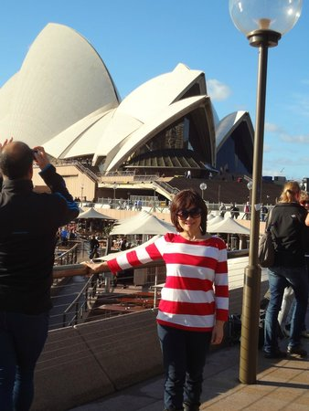 Sydney Opera House : sydney opera