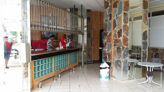 Aguamarina Golf Hotel: Bar de la piscine