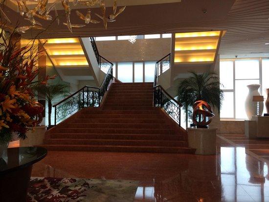 Fairmont Makati: Lobby
