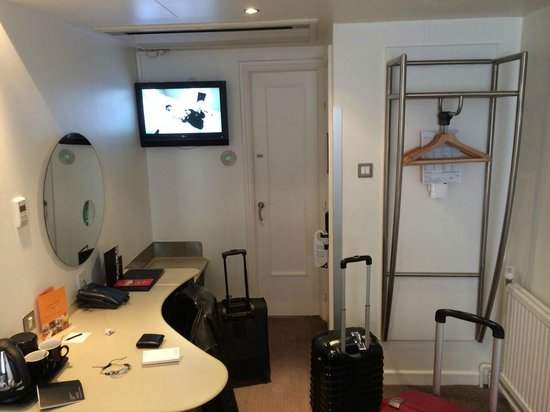 Corus Hotel Hyde Park London: Twin room - 5th floor
