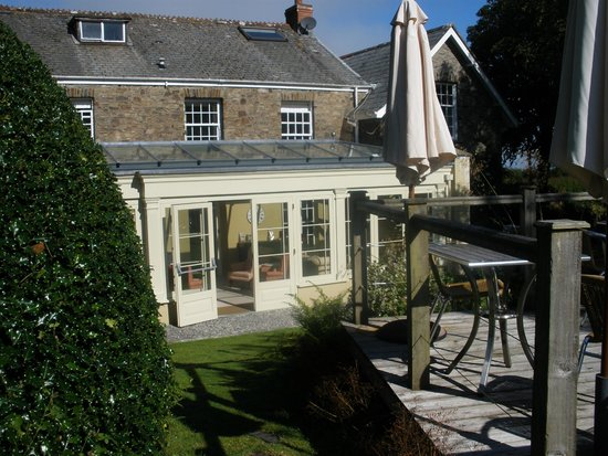 The Old Rectory Hotel: Early morning view of the Orangery