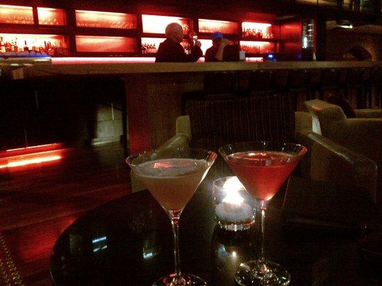 InterContinental Melbourne The Rialto: Enjoying cocktails at the Bluestone Wine Bar
