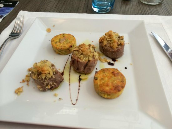 Ristorante Numero Unico: Pork (herb crusted) with divine vegetable cakes