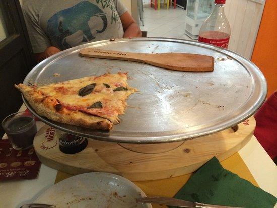 Gusto al 129: La pizza gigante triplo gusto