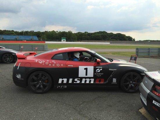 Silverstone Challenge - Silverstone Experience: Silverstone experience - Nissan GTR