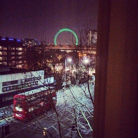 Hampton by Hilton London Waterloo: Собственно вид из окна