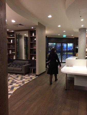 Hampton by Hilton London Waterloo: Холл