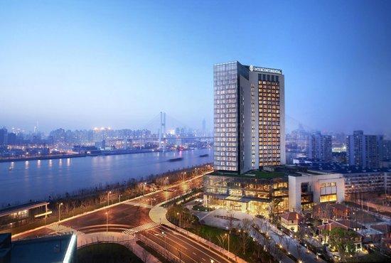 InterContinental Shanghai Expo : Hotel Exterior (night shot)