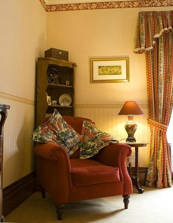 Fairview Guest House: Residents' Lounge