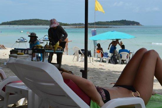 Baan Samui Resort : corn lady