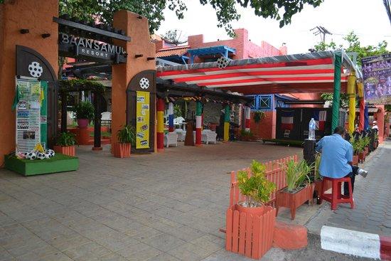 Baan Samui Resort: front area