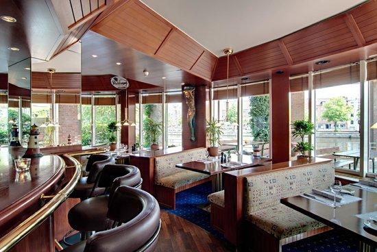 Radisson Blu Senator Hotel : Beer- and Wine Tavern