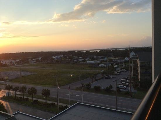 DoubleTree by Hilton Hotel Atlantic Beach Oceanfront: beautiful sunset from 719