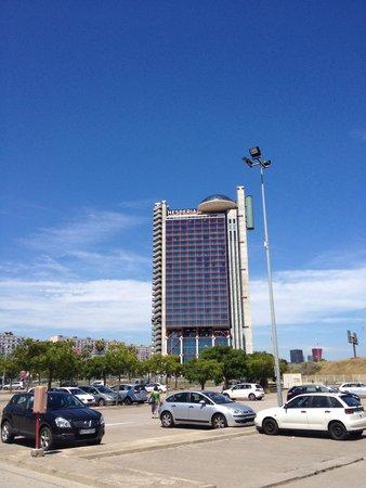 NH Collection Barcelona Tower : Distance de l'hôtel au métro