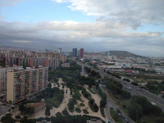 NH Collection Barcelona Tower : Vue depuis la suite