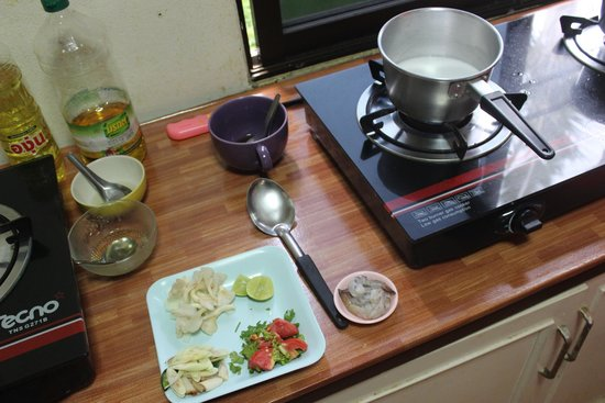 Tom Yum Thai Cooking School: Ready to cook