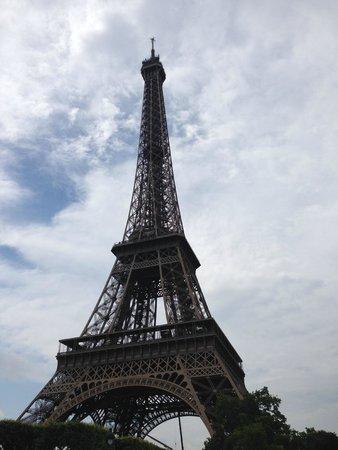 Tour Eiffel : Majestic Eiffel Tower