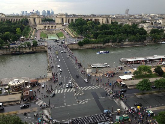 Tour Eiffel : View over the Seine from the first level