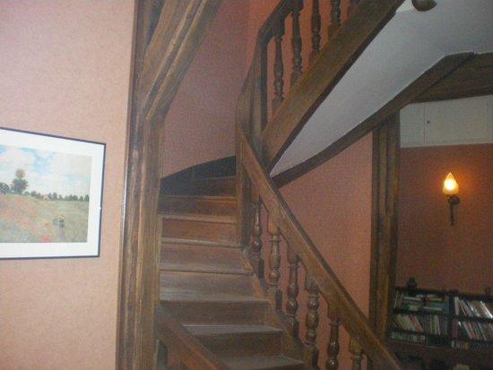 Le Relais Saint Vincent : escalier
