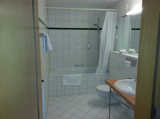 BEST WESTERN Macrander Hotel Dresden: Grosses Bad