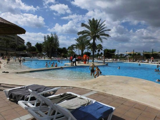 Club Cala Romani: Poolside