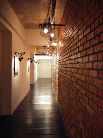 M Boutique Hotel, Ipoh: The mysterious walkway to the rooms