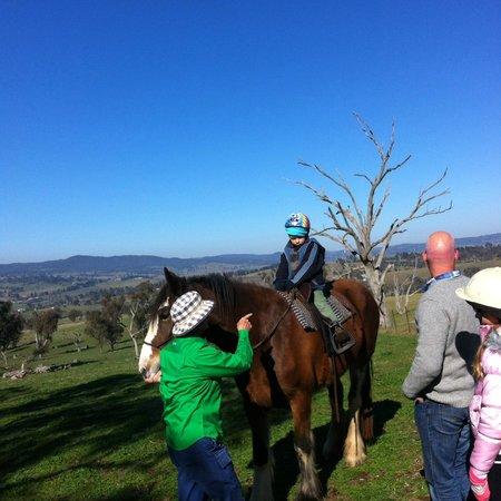 Barcoos Farmstays Bathurst : riding on Prudence!