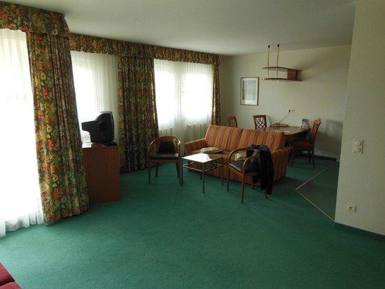 Artis Suite Hotel: кабинет-гостиная