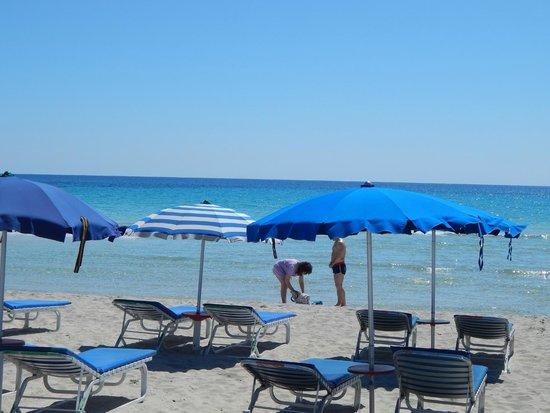 Landa Beach: landa sunbeds