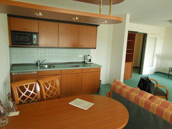 Artis Suite Hotel: вторая комната