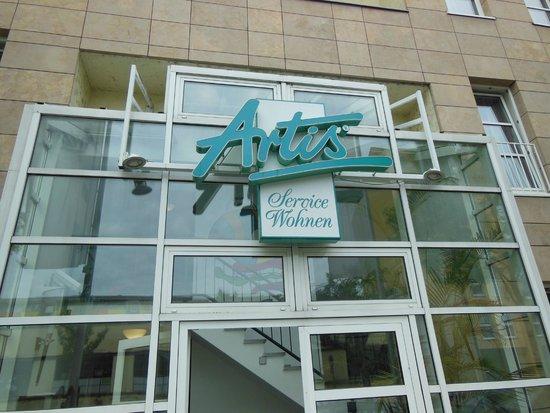 Artis Suite Hotel: вход