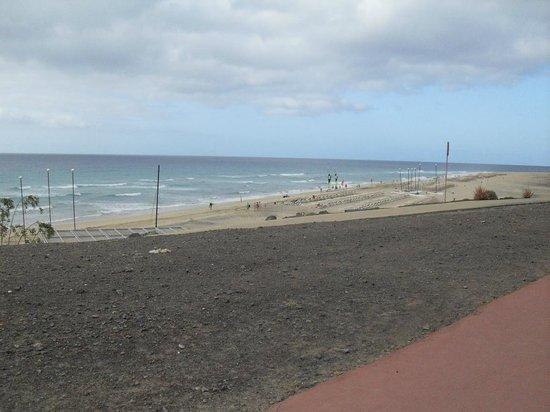 IBEROSTAR Playa Gaviotas Park : looking at the beach